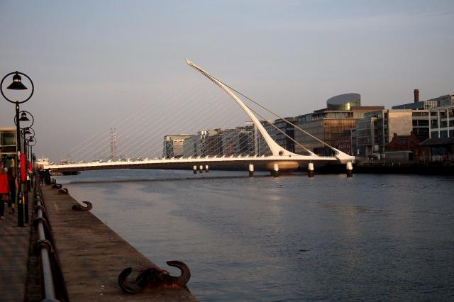 11 samuel beckett bridge